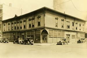 1930-c_unidentified-building_a2001-083