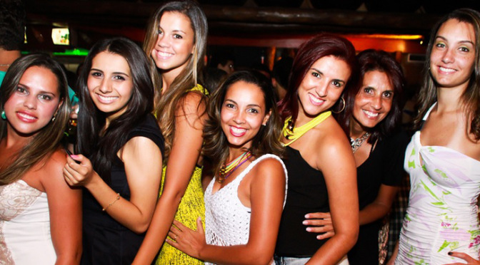 brazilian-girls-in-a-nightclub-world-cup-2014-brazil1