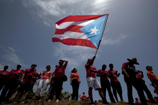 puerto-rico-flag-students